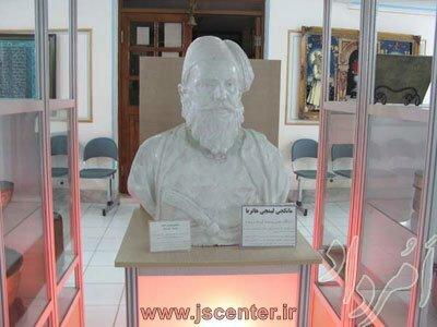مجسمه مانکجی لیمجی هاتریا