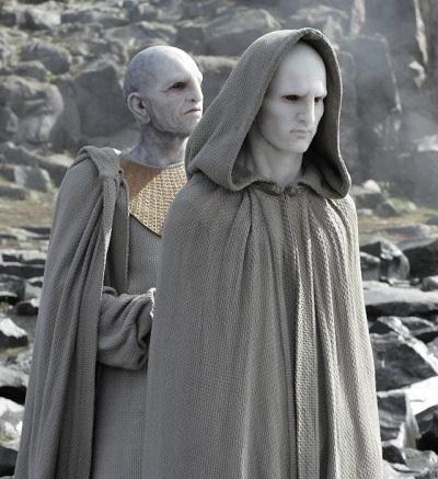 پرومتئوس و بیگانه و خدایان انسانوار المپ