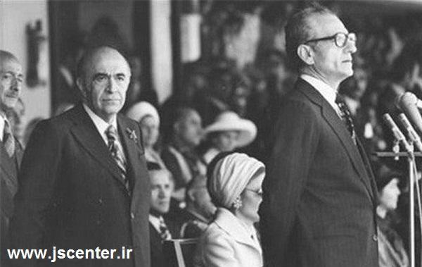 امیرعباس هویدا و محمدرضا شاه