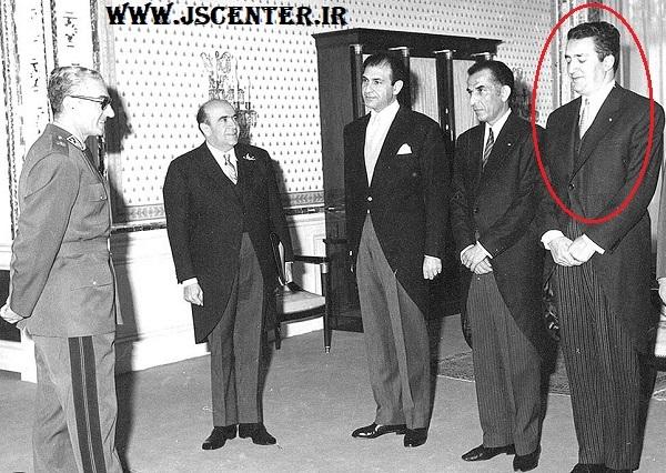 علینقی عالیخانی کنار محمدرضا پهلوی