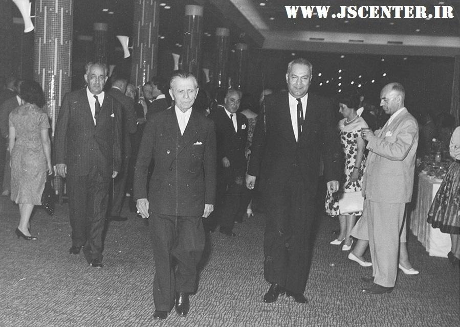 عکس حبیبالله القانیان و حسین علاء وزیر دربار و نخستوزیر اسبق ایران